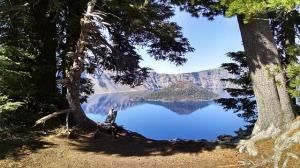 crater-lake-950830_640