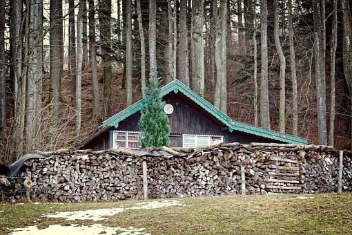 hut-1201551__340